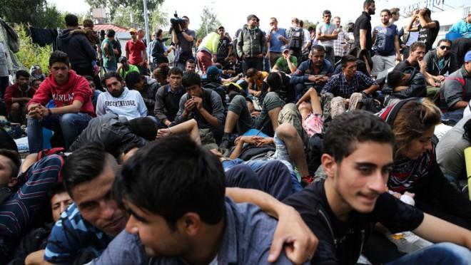 HIÁBA LESZ NÉPSZAVAZÁS, Brüsszel cselre készül migránsügyben!