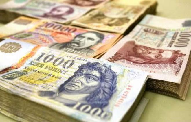Milliókat érint a kormány bejelentése: Jelentős béremelés lesz jövőre!