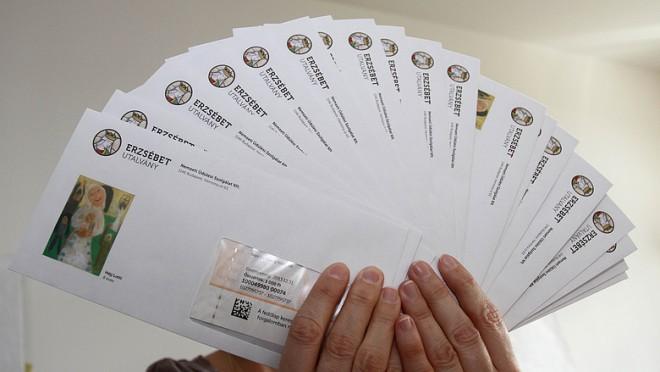 FIGYELEM! Nem viszi ki a postás a nyugdíjasok Erzsébet utalványát!
