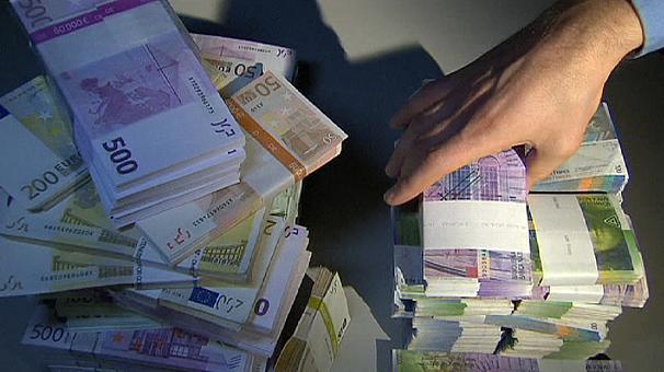 Az Adóhivatal ezentúl külföldön is látni fogja minden magyar bankszámláját!