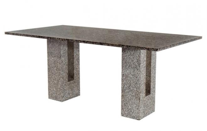 Íme az MNB új büszkesége. Ezt az asztalt potom 43 millióért vették.