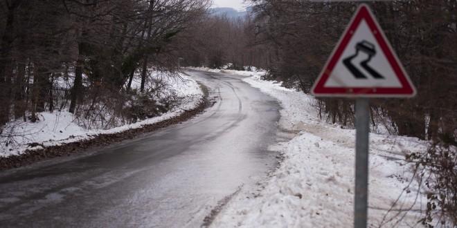 Időjárási vészhelyzet: ónos eső, hó és eső is várható az ország több pontján