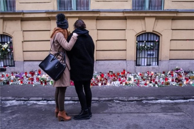 Szombaton hajnalban indulnak el Magyarországra a veronai buszbaleset áldozatainak holttestét szállító autók