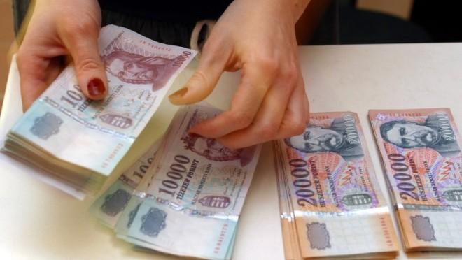VÁLTOZÁS a családi pótlék, a fizetések, gyes, gyet, és egyéb juttatások kifizetésében