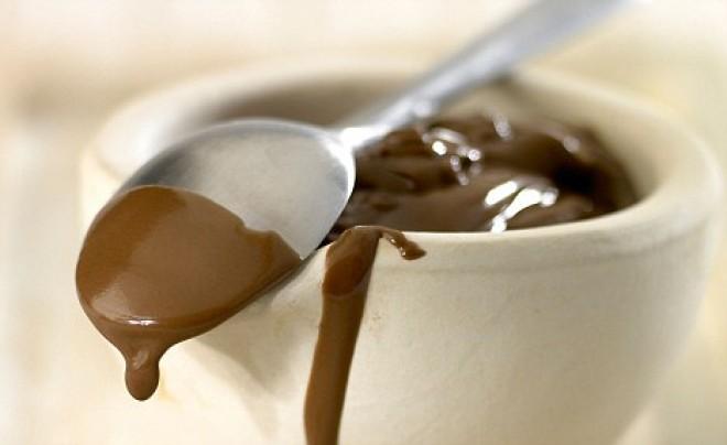 Megtaláltuk a legkellemesebb és leghatásosabb gyógymódot a köhögésre: egyél csokoládét!