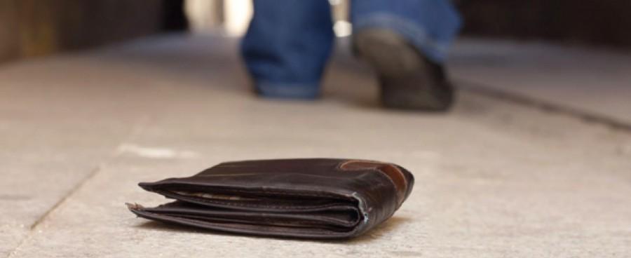A moziból kifelé jövet talált egy vaskos pénztárcát. 770 ezer forint volt benne...