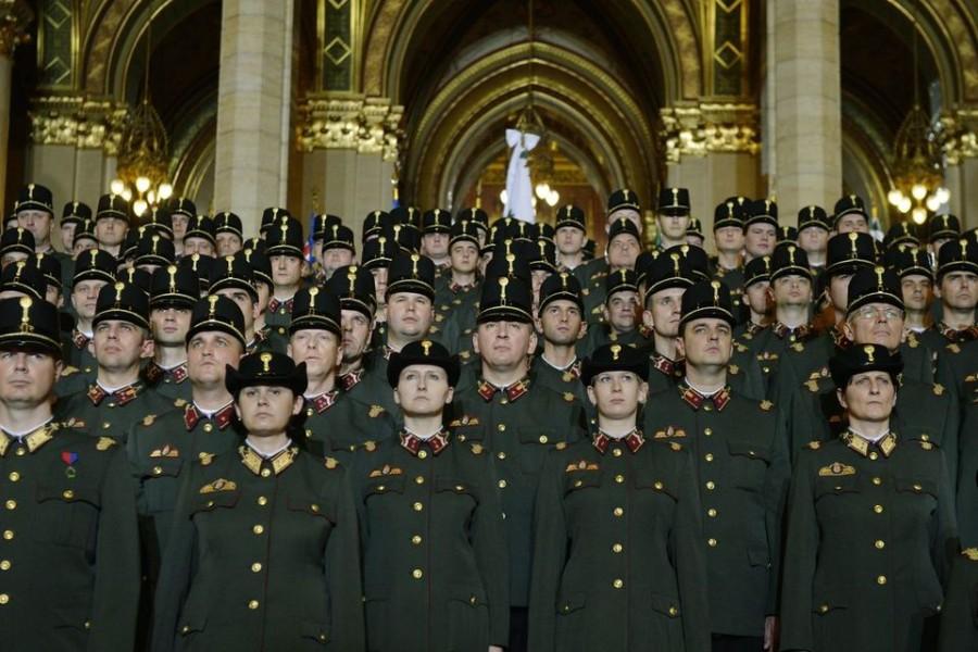 Az országgyűlési őrség fegyverzet frissítése sokaknál kiverte a biztosítékot!