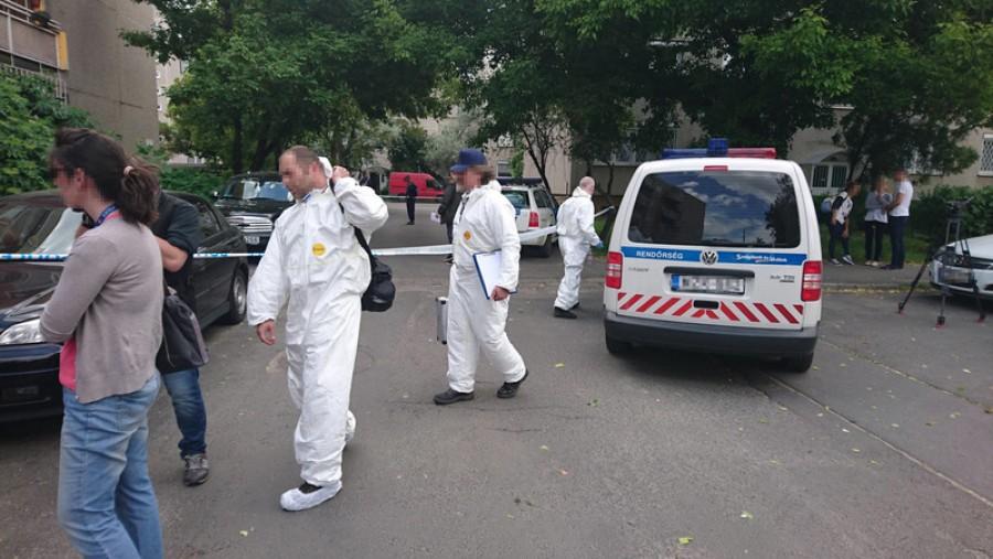 Átvágott torkú holttestet találtak az utcán Budapesten! A rendőrök lezárták a környéket.
