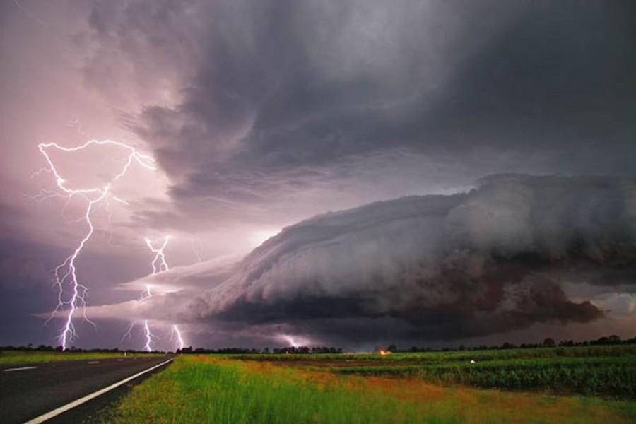 FIGYELEM! Néhány óra múlva hatalmas felhőszakadás lesz!