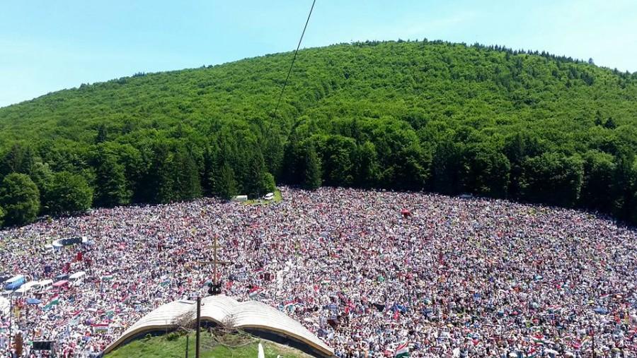 Nézd meg mit hagyott maga után a csíksomlyói százezres tömeg