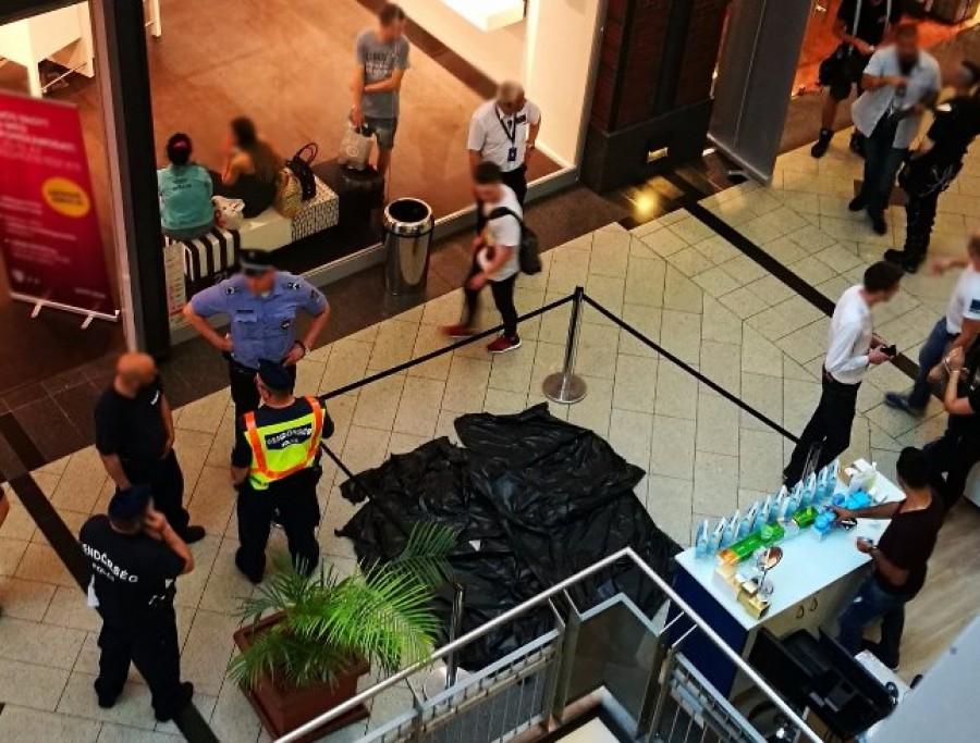 FELHÍVÁS! Itt a WestEndes késelő, akit a rendőrség keres, mert elmenekült.