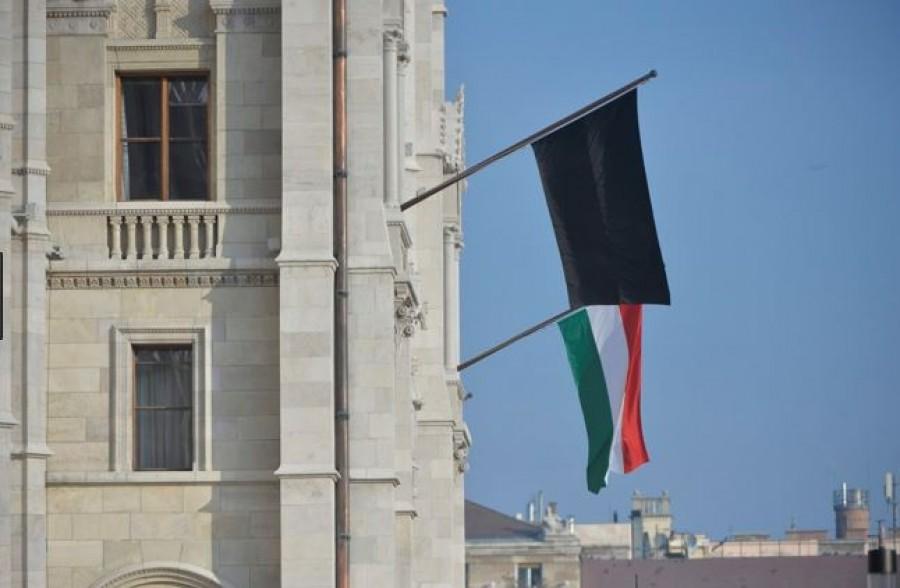 Gyászol a magyar parlament: váratlanul elhunyt a kormánypárti politikus