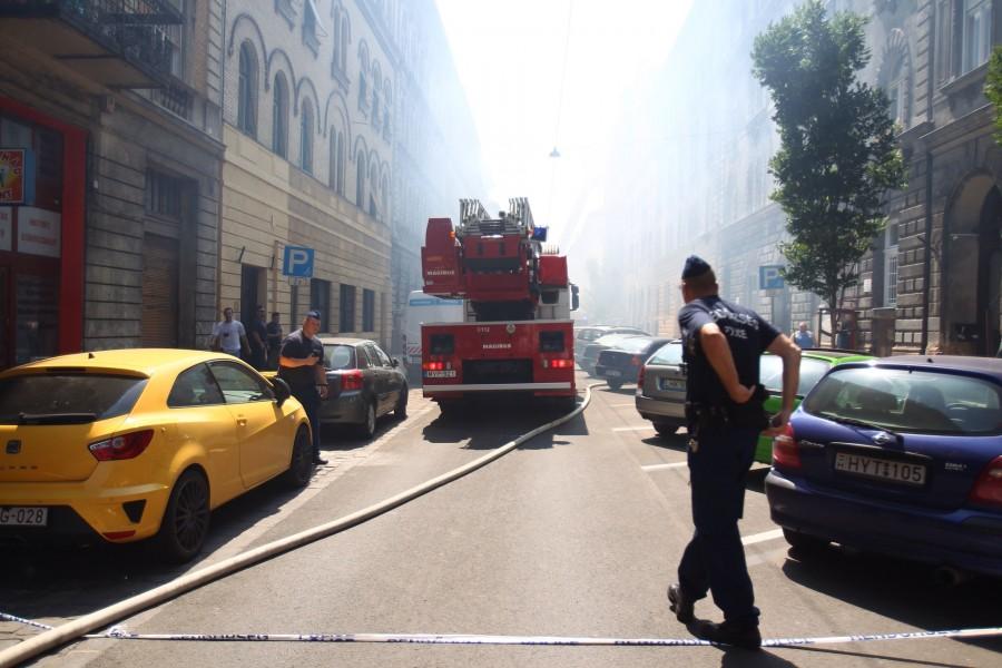 Tűz tombolt Budapest belvárosában! Több sérült is van!