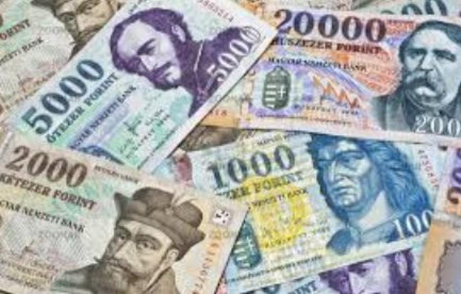 A 6 év feletti gyermekek után júliustól 38 ezer forintot kaphat a szülő