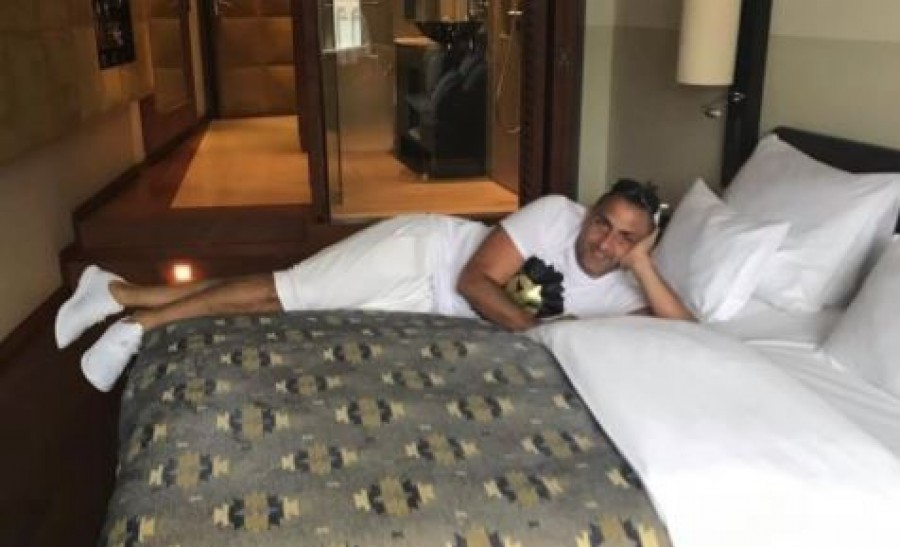 Fényűző bécsi hotelben ünnepel a Gáspár család