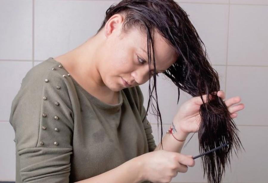 Fordított hajmosás - így nem fog zsírosodni és sokkal selymesebb lesz a hajad!