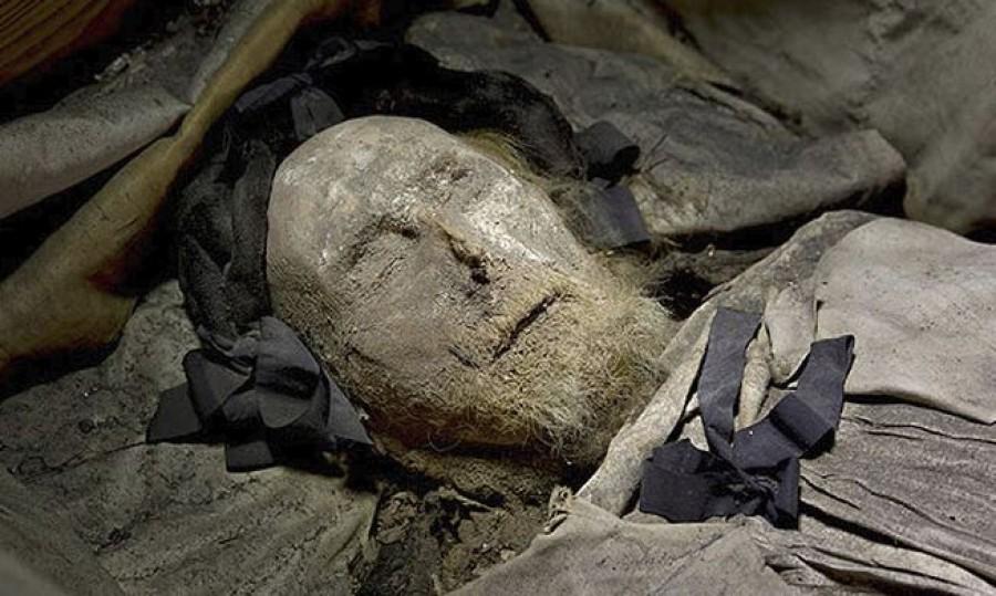 Pius pápa holtteste bizonyíthatja: Jézus története kitaláció!
