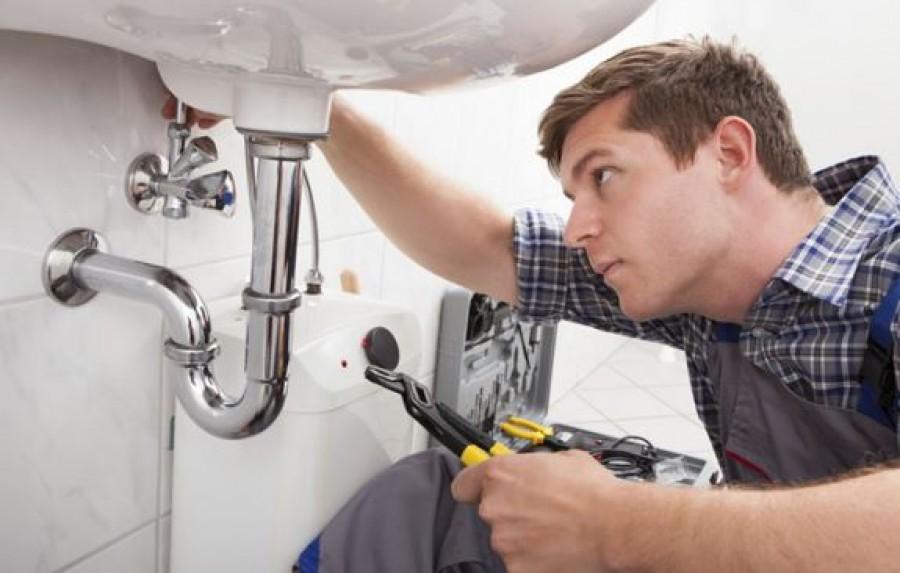 Ha legközelebb villany-, vagy vízvezetékszerelőt hívsz, erre kérdezz rá!