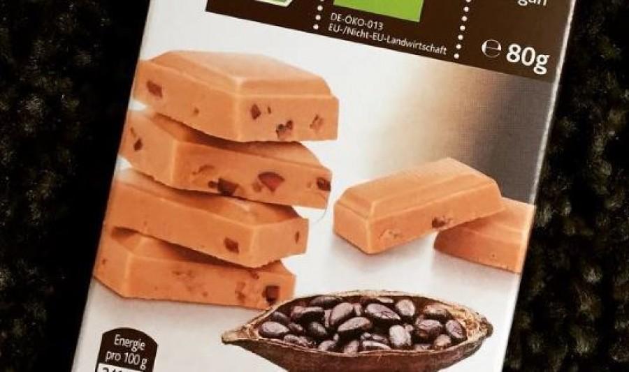 Vigyázat! Ha ilyen csokit vettél, vidd vissza! Üvegszilánk lehet benne!