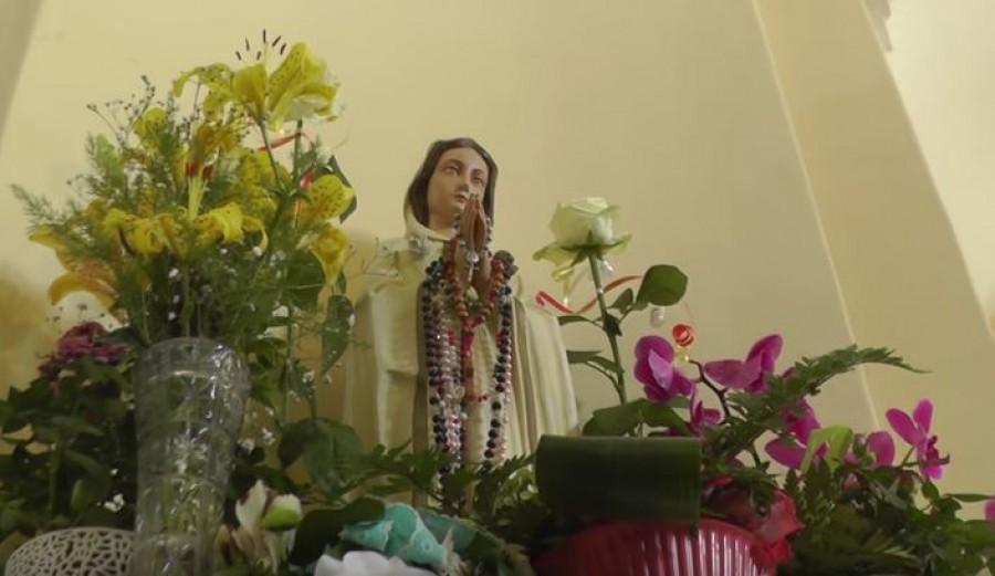 Könnyezni kezdett a Mária szobor a nógrádi településen!