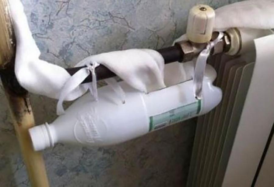Nem értették, miért kötözte a palackot a radiátor csövére