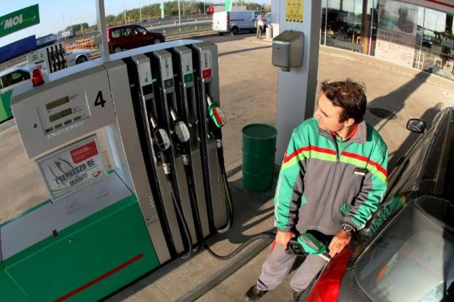 Akár 200 forintra csökkenhet hamarosan a benzin literenkénti ára