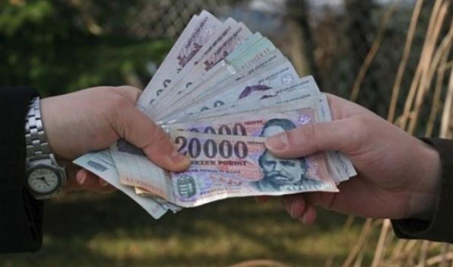 Január 1-től 56 ezer forinttal kapnak többet a nyugdíjasok
