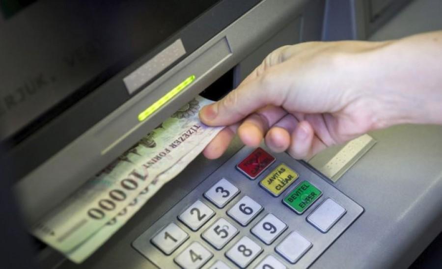 Figyelmeztetést adtak ki a bankok: pár napon belül rendszer-összeomlások várhatók