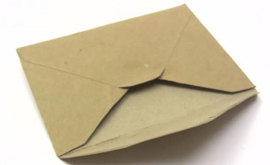 Egy levelet nyomott a nő kezébe egy idegen. Mikor kibontotta, majdnem elájult!