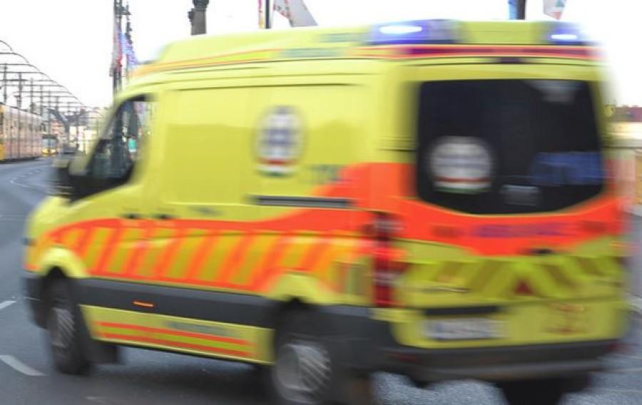Friss hír: Mentősök loptak meg egy beteget