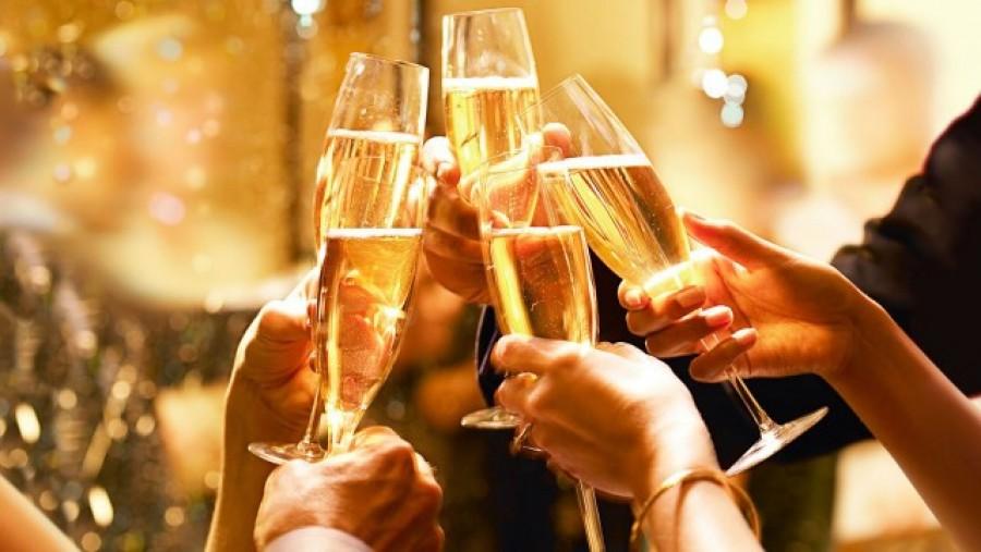 Jó, ha tudod: ilyen hatása van  a pezsgőnek a szervezetünkre!