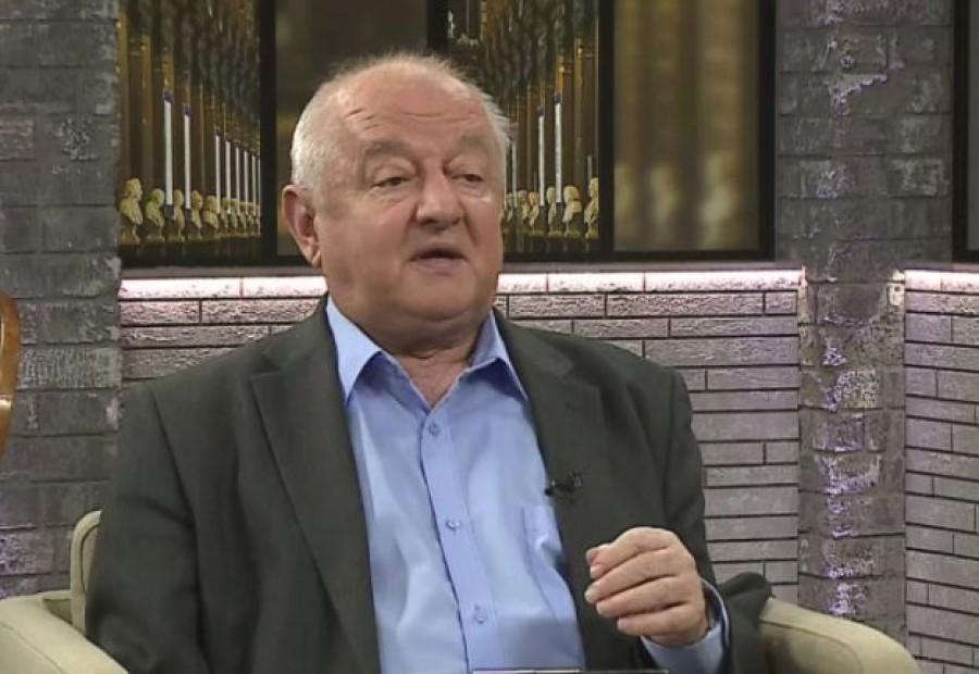 Váratlanul elhunyt Tőkéczki László
