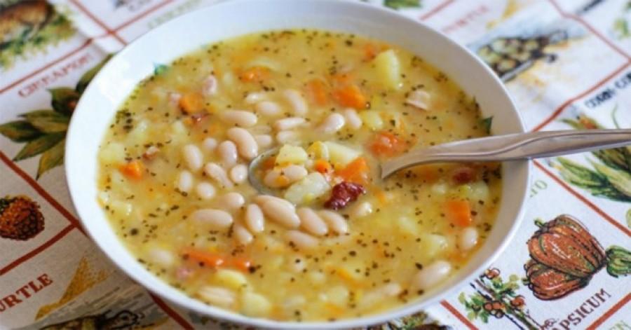 Zöldséges fehér bab leves