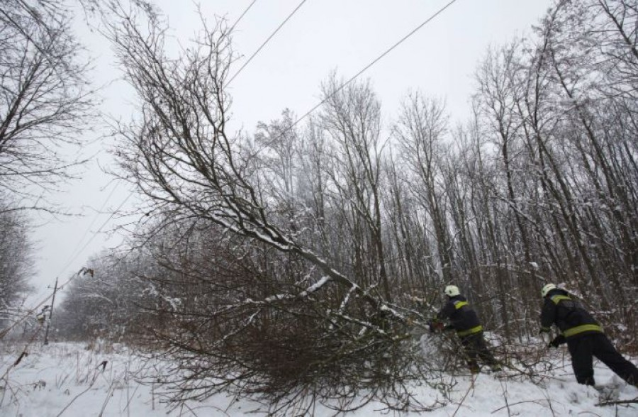 Több megyében nincs áram a hó miatt