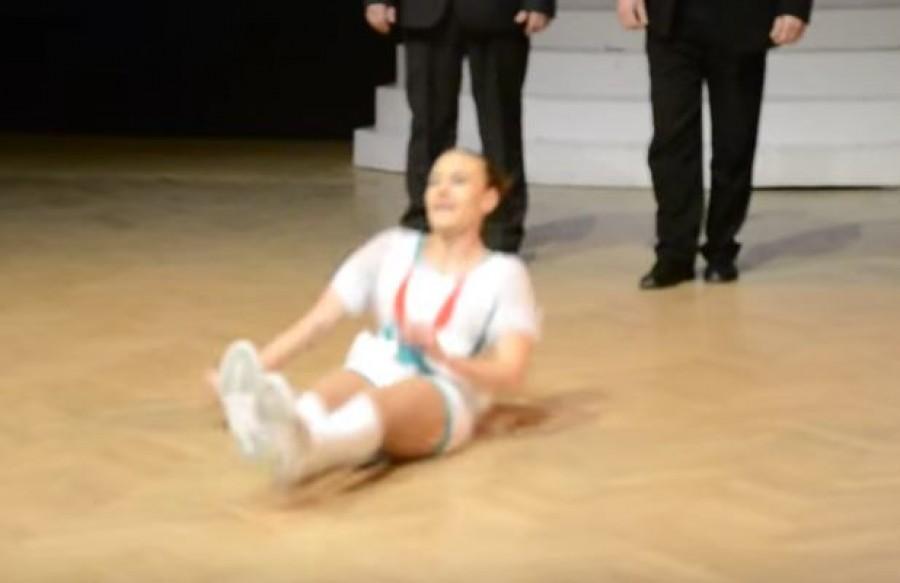 Hihetetlen mit művelt ez a lány a színpadon! Mindenki arra számított, hogy táncolni fog, de ....