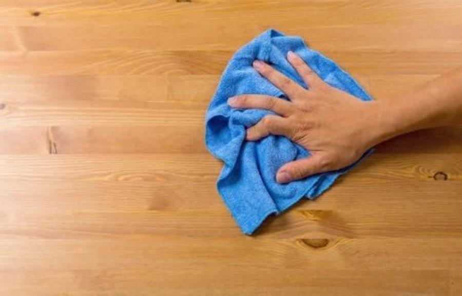 Így nem rakódik le a por a lakásban! Ezzel takarítanak a szállodákban is!