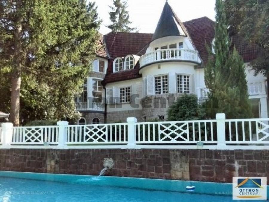 Orbán Viktor veje nemrégiben vásárolt egy elképesztő luxusvillát apósa háza közelében