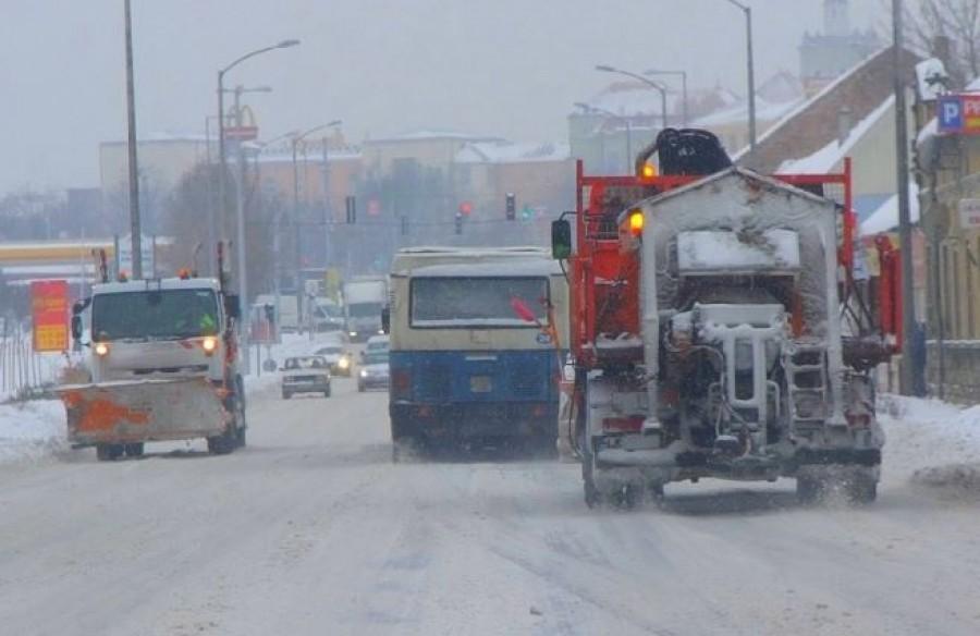 Elérte az országot az újabb csapadékzóna. 15 cm friss hóra kell számítani!