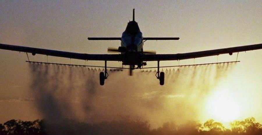 Hihetetlen mi mindenre veszélyes a repülőgépes szúnyogriasztás