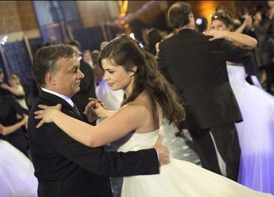 Megszületett Orbán Viktor második unokája! Nagyon különleges nevet kapott!