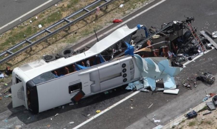Friss: szörnyű buszbalesetről jött hír