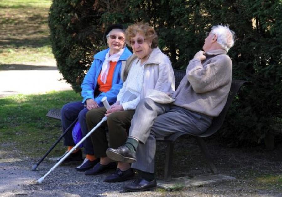 Dermesztő helyzetbe kerülhetnek a nyugdíjasok