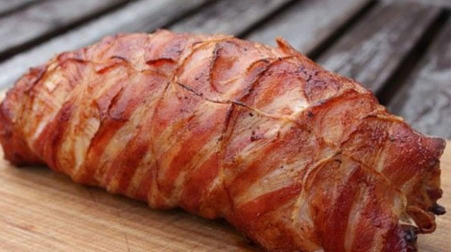 Baconbe tekert sajttal töltött fokhagymás sertéshús!