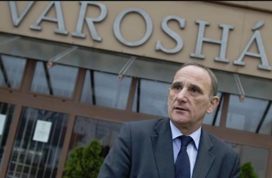 Komoly inzultus érte a gödöllői polgármestert