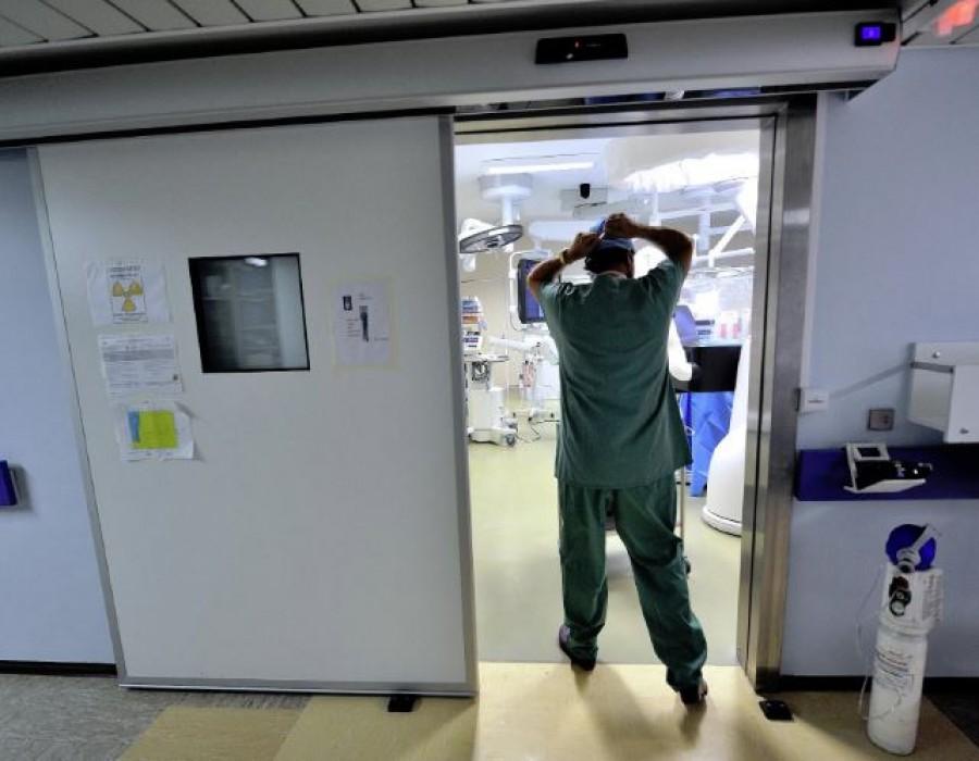 Jót akart a betegnek, kirúgták az ország egyik legjobb szívsebészét