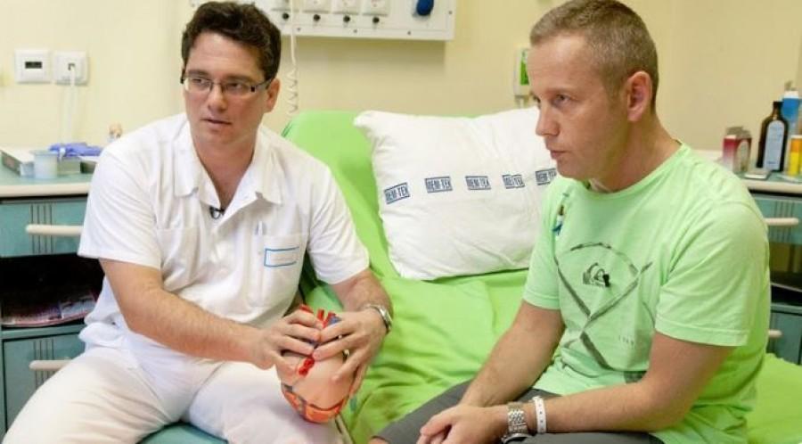 Schobert Norbi kiborult: az őt operáló szívsebészt rúgták ki
