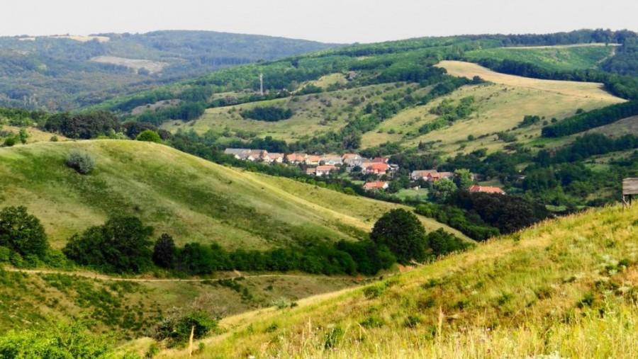Kétmilliót adnak, ha ebbe a faluba költözöl!