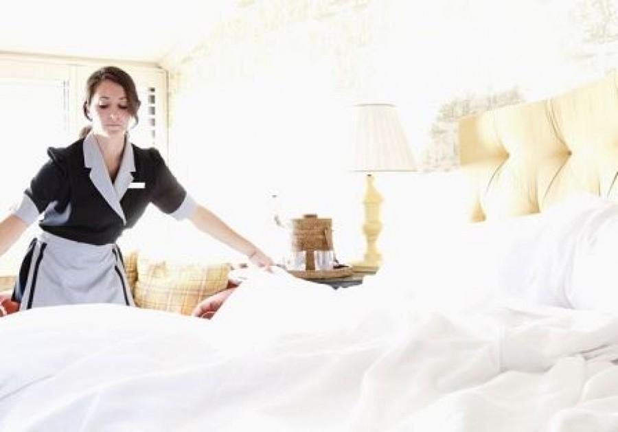 A szállodák szobalányaiígy cserélnek ágyneműhuzatot