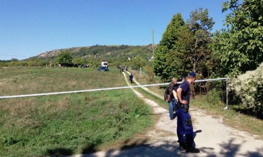 Egy fiatal nő és egy gyermek holttestére bukkantak