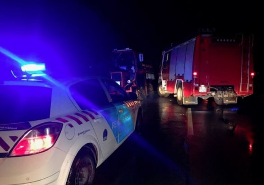 Alig pár perce borzalmas baleset történt! Az érintett útszakaszt a rendőrség a helyszínelés idejére teljes szélességében lezárta